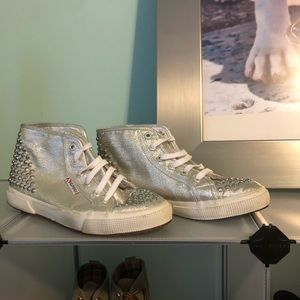 Silver studded SUPERGAS